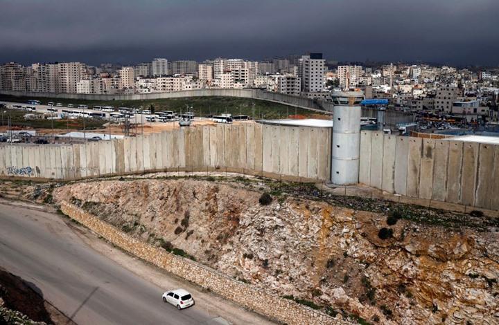 """كاتب إسرائيلي يحذر من """"كارثة"""" بحال تنفيذ خطة الضم بالضفة"""