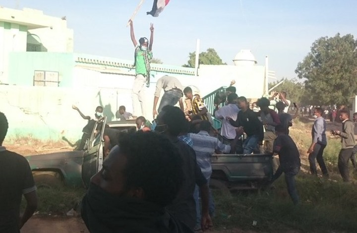 اعتقالات تطال قيادات في أحزاب معارضة بالسودان