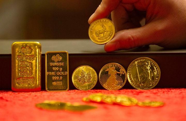 تراجع الذهب بفعل آمال التجارة وبيانات اقتصادية