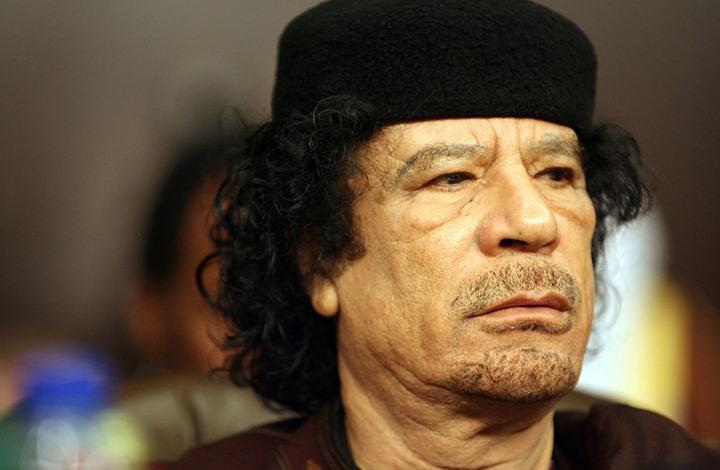 FT: كيف لا يزال جيران ليبيا يشعرون بوفاة القذافي؟