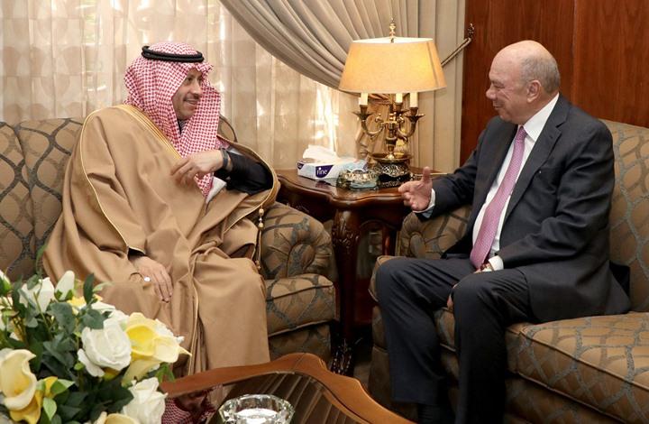 قبيل زيارة تميم.. سفير الرياض بعمّان يعلن مشاريع بمليارات