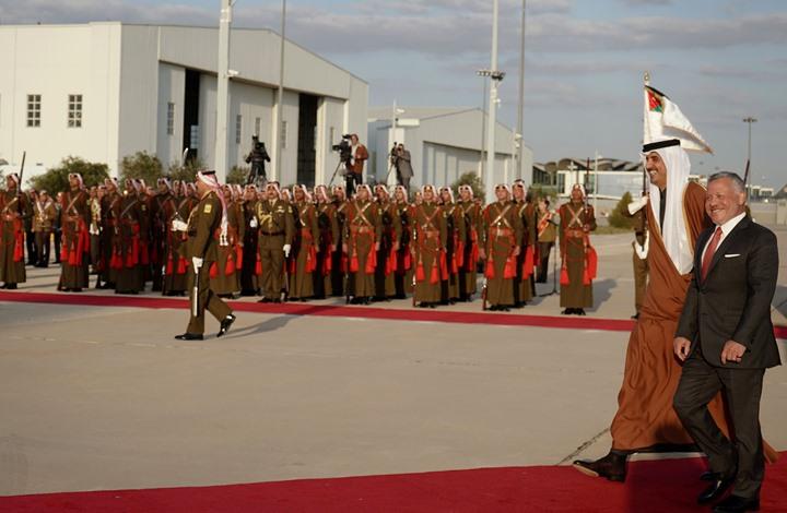 ملك الأردن يستقبل أمير قطر وقمة ثنائية (شاهد)