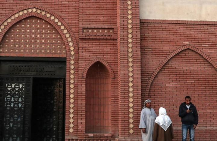 مبارك إلى مقبرته ذات الأثاث المذهب.. ومصريون: لن ننسى