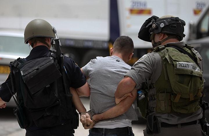 حملة اعتقالات ومداهمات ينفذها الاحتلال بالضفة الغربية