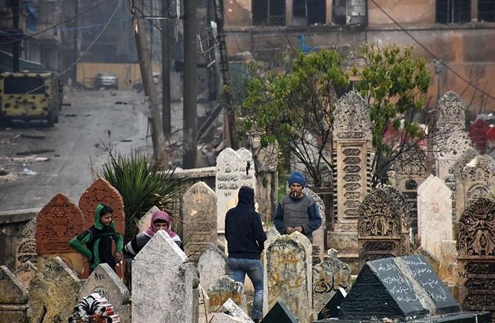 النظام يكمل نقل مقابر حلب العشوائية.. والمعارضة تستنكر