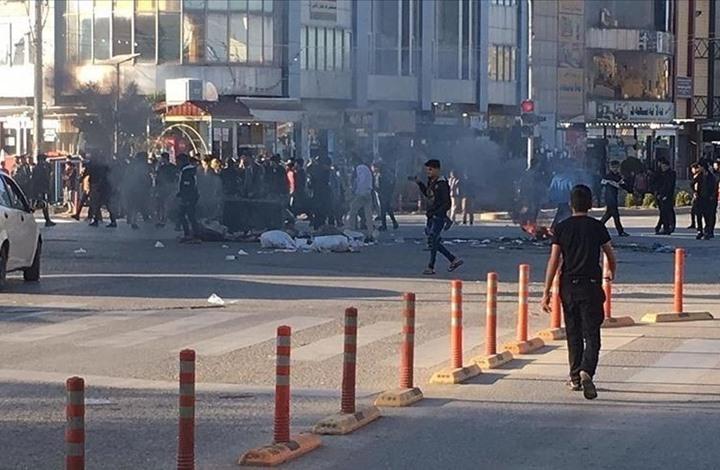 استقالة محافظ الناصرية ومتظاهرون يستنجدون بعد سقوط 275 مصابا