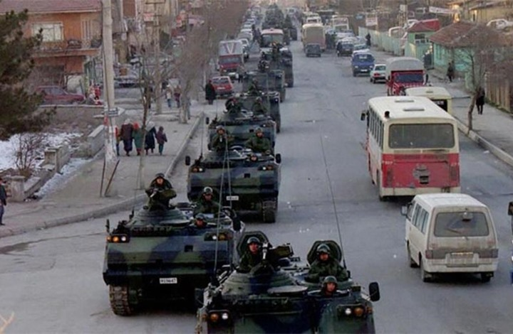 """انقلاب 1997 بتركيا.. منعطف تاريخي بدأ بـ""""ليلة القدس"""" (شاهد)"""