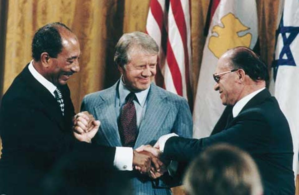 كيف تعامل المصريون مع اتفاقية السلام طوال 40 عاما من توقيعها؟