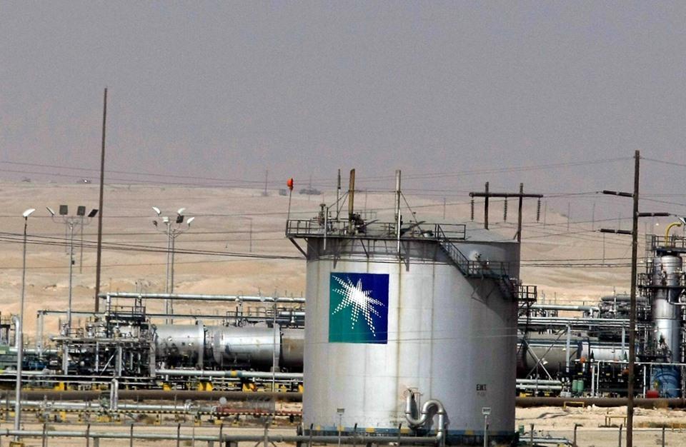 مصادر: السعودية تعتزم رفع أسعار الطاقة في الموازنة الجديدة