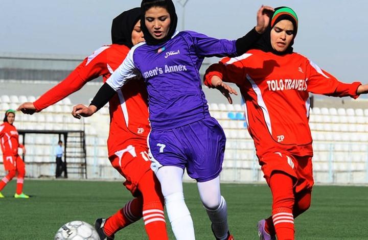رولينغ ستونز: كيف واجهت نساء محجبات العقبات بمنافسات رياضية؟