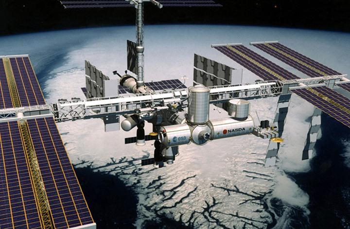 جسم فضائي قرب محطة الفضاء الدولية وجدل حول هويته (شاهد)