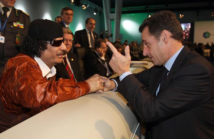 قريب لساركوزي تلقى هذا المبلغ من ليبيا على حساب سري