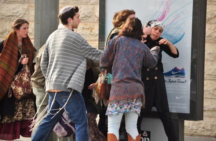 اقتحام للأقصى.. وسلسلة اعتداءات من المستوطنين (شاهد)