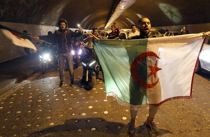 بعد قرارات بوتفليقة.. كيف سيسير الحراك الشعبي بالجزائر؟