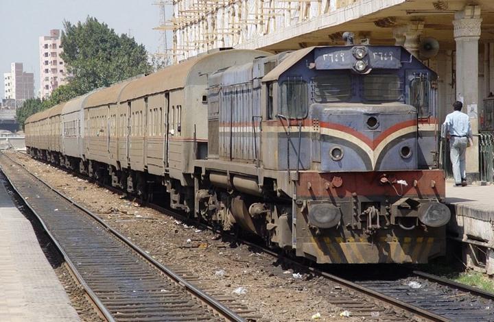 برلماني سابق يكشف أسباب كوراث القطارات وقطاع النقل بمصر