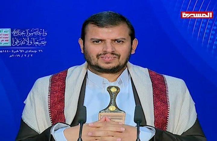 """زعيم الحوثي يلتقي غريفيث ويعلق على مبادرة """"التهدئة"""""""