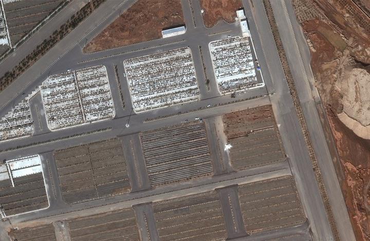 صور فضائية لقبور جماعية.. هل تشتري إيران دواء إسرائيليا؟