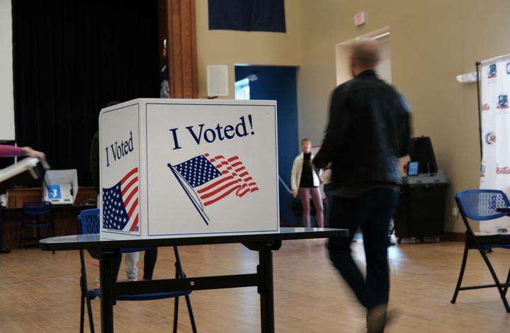 NYT: عالم منهك يحبس أنفاسه ترقبا لانتخابات أمريكا
