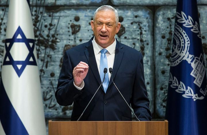 """غانتس: """"حماس"""" تلعب بالنار معنا.. هدد برد قوي في غزة"""