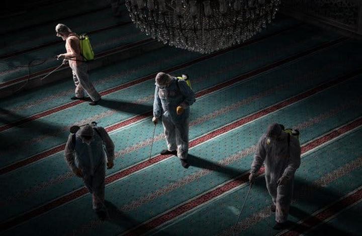 نيويورك تايمز: ما تفسير اللجوء إلى الدين في وقت الوباء؟