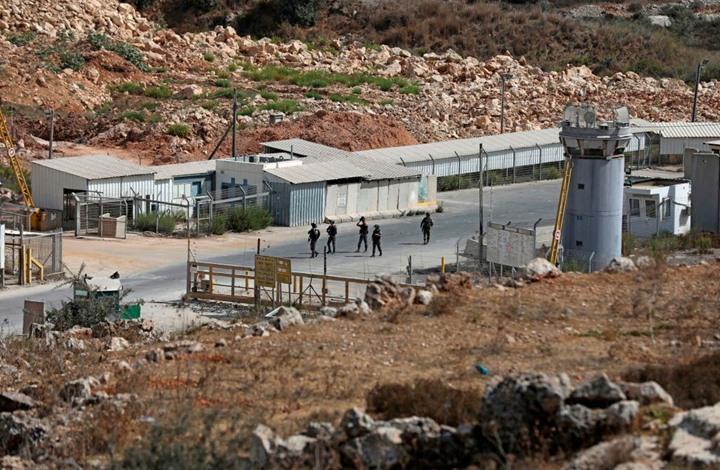 """هكذا احتج الأسرى على تجاهل الاحتلال حمايتهم من """"كورونا"""""""