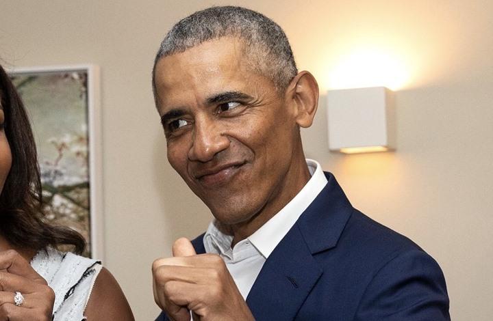 """شاهد ردة فعل """"معجبة"""" بأوباما فاجأها على الهواء"""