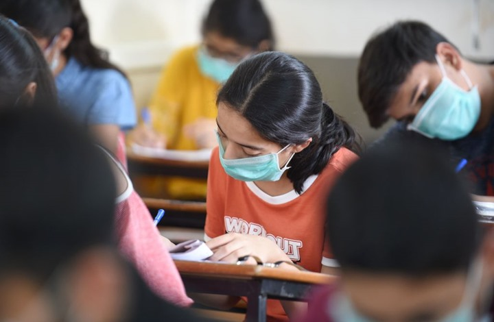 """290 مليون طالب يتوقفون عن الدراسة بسبب """"كورونا"""""""