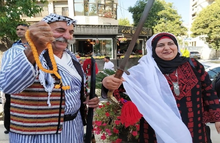 الثوب الفلسطيني عمره 3 آلاف سنة ولا يزال رمزا للهوية العربية
