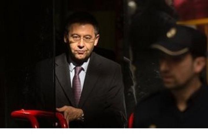 قاضي التحقيق يفرج عن رئيس برشلونة السابق