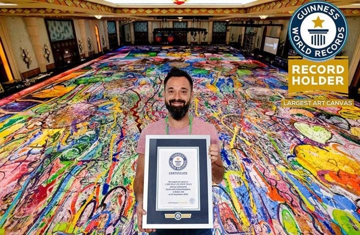 بمبلغ مثير.. بيع أكبر لوحة فنية على القماش في العالم (شاهد)