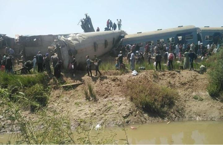 كارثة.. عشرات الضحايا في اصطدام قطارين في مصر (شاهد)