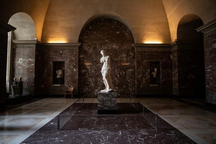 متحف اللوفر يوفر تجربة زيارته افتراضيا عبر الإنترنت