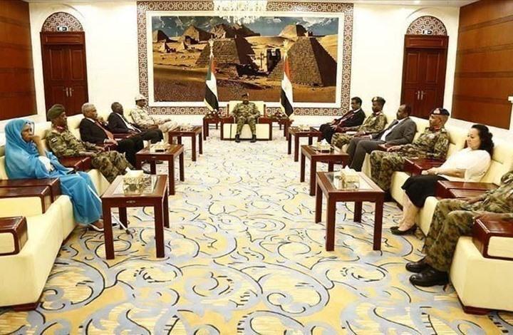 السودان.. جدل فكري وسياسي حول علاقة الدين بالدولة