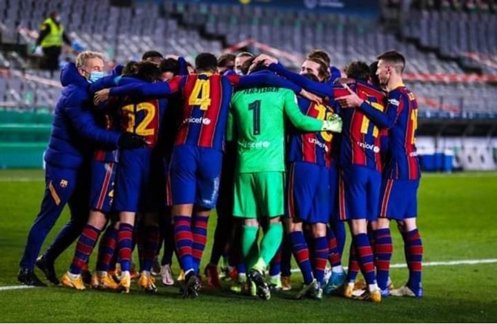 في مباراة مشوقة.. برشلونة يحقق الريمونتادا ويتأهل للنهائي