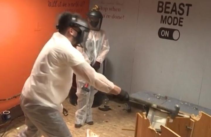 """طبيبة تبتكر """"غرفة الغضب"""" لعلاج ضحايا الحجر الصحي (فيديو)"""