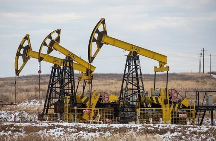 أسعار النفط تصعد بدعم هبوط الدولار وتعافي الطلب