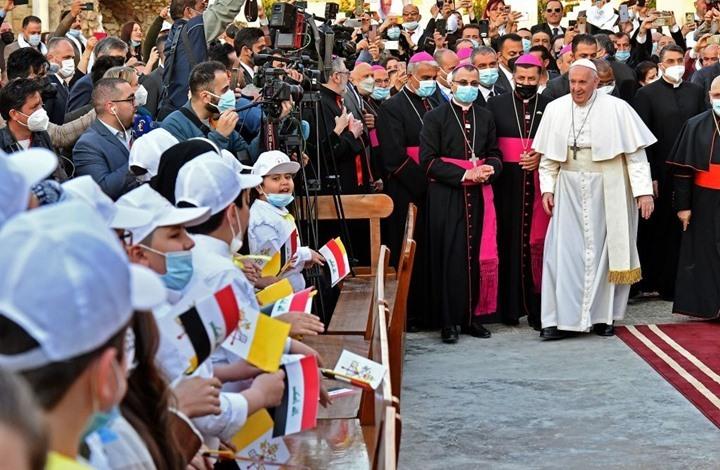 """انتقادات لغياب """"ملفات هامة"""" في زيارة """"البابا"""" إلى العراق"""