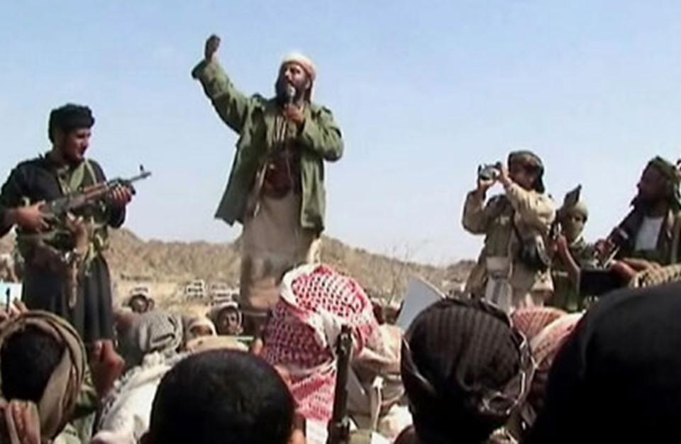 كيف ساعد ترامب تنظيم القاعدة في اليمن عبر وساطة إماراتية؟