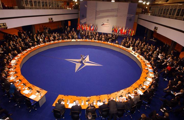 اجتماع الناتو يشهد سجالا حادا بين بومبيو وتشاووش أوغلو