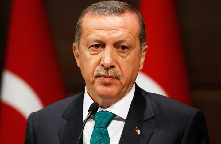"""أردوغان يتهم ميركل بـ""""ممارسة النازية"""".. وألمانيا ترد"""
