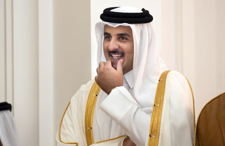 الرهائن القطريون يصلون الدوحة والأمير يستقبلهم