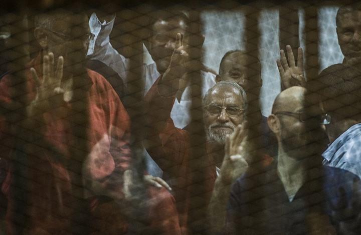 """أحكام نهائية على قيادات الإخوان بقضية """"التخابر مع حماس"""""""