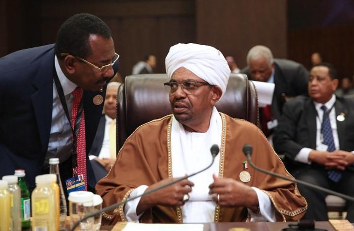 صحف سودانية: البشير يجري تعديلا وزاريا خلال أيام