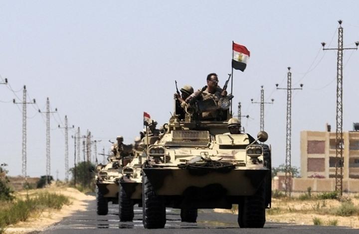 الجيش المصري يرسل معدات وآليات إلى السودان (شاهد)