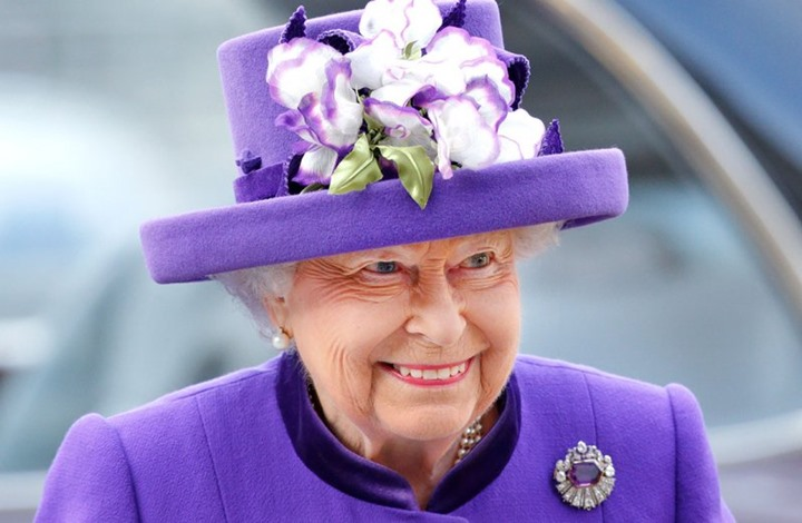 """الخروج الأول لملكة بريطانيا منذ 7 أشهر بسبب """"كورونا"""" (شاهد)"""