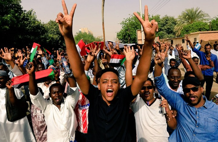 """""""عربي21"""" تحاور """"إخوان السودان"""" حول موقفهم من تطورات المشهد"""