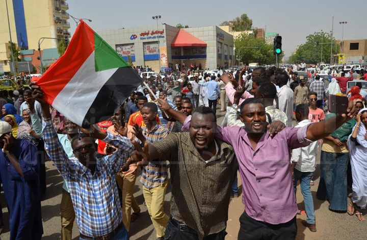 قيادي شيوعي سوداني: لن نقبل بإعادة إنتاج حكم الإسلام السياسي