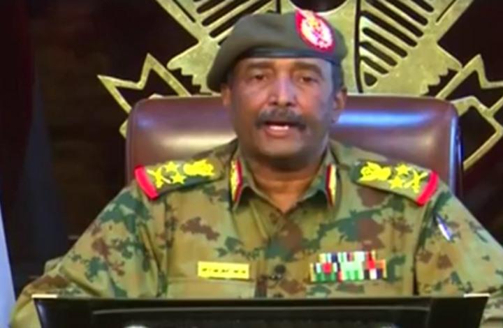 الإمارات ترحب بتعيين البرهان رئيسا للمجلس العسكري في السودان