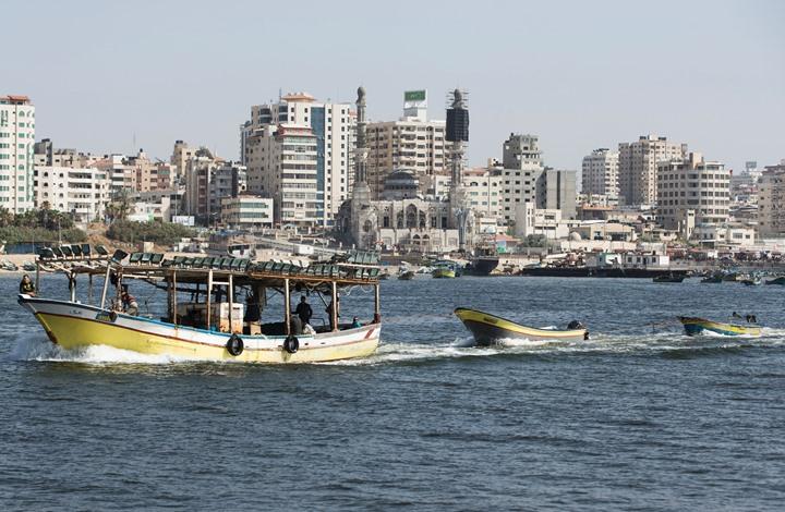 """الاحتلال يهاجم مركب صيد بغزة ويزعم إحباط """"نشاط بحري"""""""