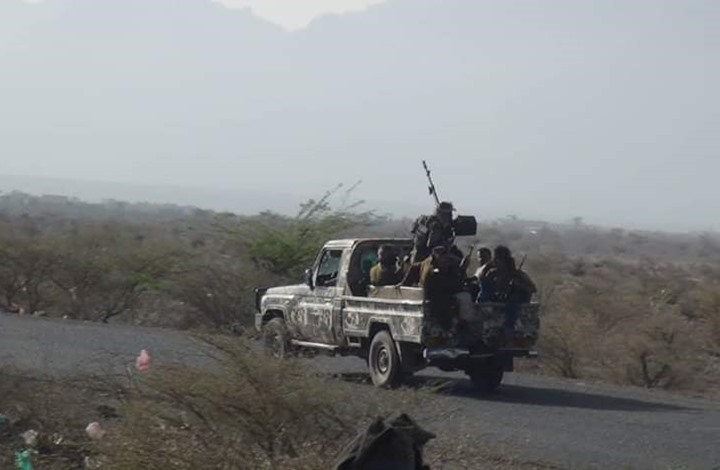 عملية للجيش اليمني ضد الحوثيين وإحباط تهريب أسلحة للانتقالي